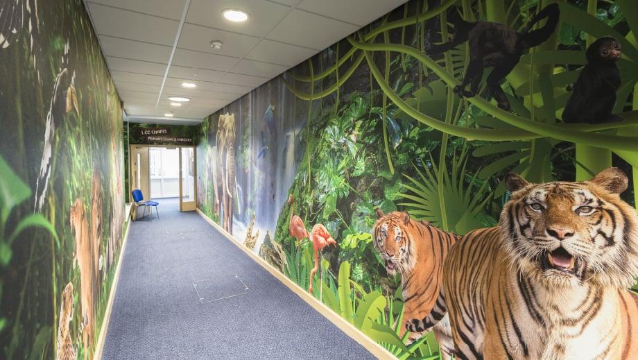 Lee Chapel School immersive jungle themed wall art